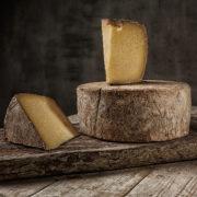 Доставка сиру