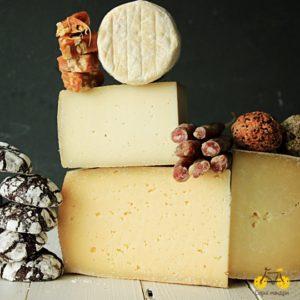 Набір сирів до дня народження