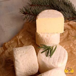 Сир з коров'ячого молока з додаванням вершків
