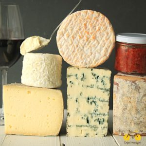 Набір сирів до вина